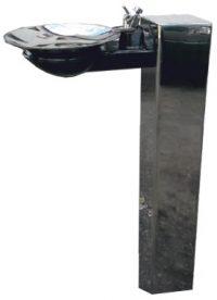 Zdrój wody pitnej kolumnowy w nowoczesnym wykonaniu firmy AKWA